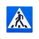 Segnale stradale del passaggio pedonale isolato su bianco Fotografia Stock