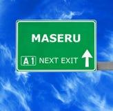 Segnale stradale di MASERU contro chiaro cielo blu fotografie stock