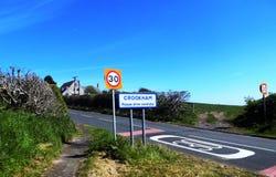 Segnale stradale di 30 MIGLIA ORARIE @ Crookham, Northumberland del nord, Inghilterra Fotografia Stock