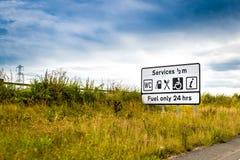 Segnale stradale di servizi Immagini Stock Libere da Diritti