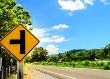 Segnale stradale di tre intersezioni Fotografie Stock Libere da Diritti