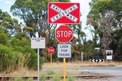 Segnale stradale ferroviario di arresto del treno Fotografia Stock
