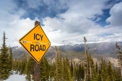 Segnale stradale ghiacciato Immagine Stock