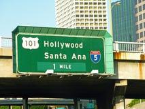Segnale stradale: Hollywood e Santa Ana-3- 07-09-34 immagine stock