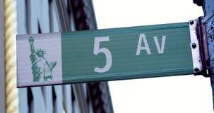 Segnale stradale iconico e classico Manhattan, New York del viale di NYC quinto Fotografie Stock Libere da Diritti