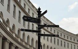Segnale stradale a Londra Fotografie Stock Libere da Diritti