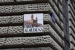 Segnale stradale a Madrid Immagini Stock