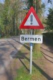 Segnale stradale per le banche pericolose, Paesi Bassi Immagine Stock