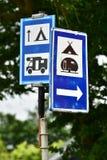Segnali stradali del campeggio Fotografia Stock