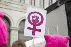 Segni al marzo delle donne a Zurigo Fotografia Stock Libera da Diritti