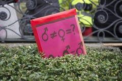 Segni al marzo delle donne a Zurigo Immagine Stock Libera da Diritti
