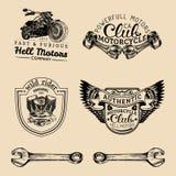 Segni del club del motociclista di vettore Logos di riparazione del motociclo messo Etichette del garage schizzate retro mano Emb Fotografia Stock