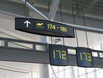 Segni del portone dell'aeroporto Immagine Stock