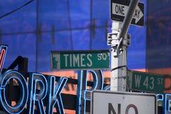 Segni del Times Square Immagini Stock