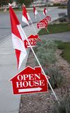 Segni della casa aperta Fotografia Stock