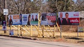 Segni di elezione dei partiti politici e del referendum di MMP per l'elezione provinciale 2019 in principe Edward Island immagini stock