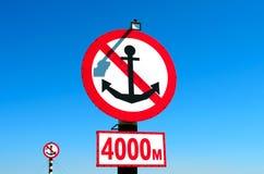 Segni per le navi sulla spiaggia Fotografia Stock