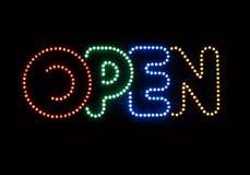 Segno al neon aperto Immagini Stock