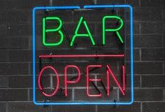 Segno al neon aperto della barra Immagine Stock Libera da Diritti