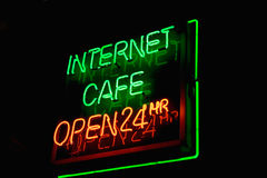 Segno al neon del caffè del Internet Immagini Stock Libere da Diritti