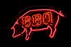 Segno al neon del maiale del BBQ Fotografie Stock Libere da Diritti