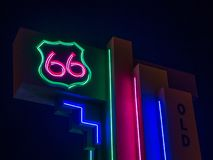 Segno al neon dell'itinerario 66 Albuquerque, nanometro immagine stock