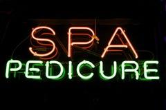 Segno al neon di Pedicure della stazione termale Fotografia Stock Libera da Diritti