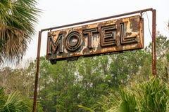 Segno al neon rustico del motel Fotografie Stock Libere da Diritti
