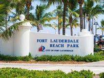 Segno al parco della spiaggia del Fort Lauderdale in Florida Fotografie Stock