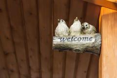 Segno all'entrata dare il benvenuto a Fotografie Stock Libere da Diritti