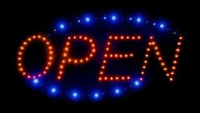 Segno aperto del neon con le luci commoventi stock footage