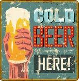 Segno arrugginito d'annata del advertisign della birra o segno barra/del pub illustrazione di stock