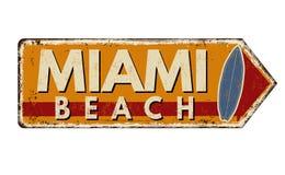 Segno arrugginito d'annata del metallo di Miami Beach royalty illustrazione gratis