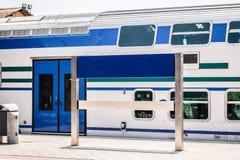 Segno in bianco alla stazione ferroviaria fotografie stock libere da diritti