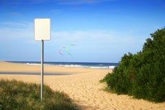 Segno in bianco della spiaggia Immagini Stock Libere da Diritti