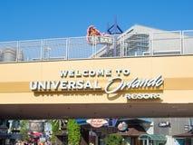 Segno che accoglie favorevolmente gli ospiti ad Orlando Resort universale Fotografie Stock