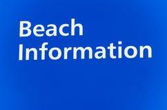 Segno che dice informazioni della spiaggia Fotografia Stock
