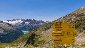 Segno che fa un'escursione l'Austria Immagini Stock Libere da Diritti