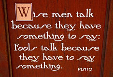 Segno con la citazione da Platone Immagine Stock Libera da Diritti