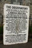 Segno d'annata per il camera obscura in Clifton, Bristol, Regno Unito fotografia stock