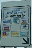 Segno dei contanti di self service dell'autostrada, Italia Fotografie Stock Libere da Diritti