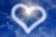 Segno del cuore sul cielo Fotografie Stock