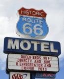 Segno del motel dell'itinerario 66 Fotografia Stock