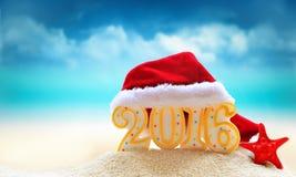Segno del nuovo anno 2016 con il cappello di Santa Claus Fotografia Stock Libera da Diritti
