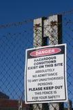 Segno del pericolo fotografie stock