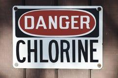Segno del pericolo del cloro immagini stock libere da diritti