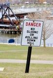 segno del pericolo sul lago Fotografia Stock