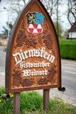 Segno del posto di nome della città per Dirmstein, Germania Fotografia Stock