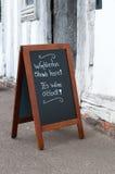 Segno del pub qui indicato Wimbledon immagini stock libere da diritti