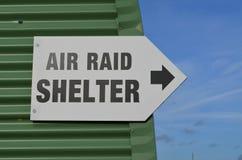 Segno del riparo di raid aereo. Immagine Stock Libera da Diritti